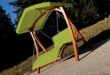 Design Hollywoodliege Doppelliege ARUBA-GRÜN aus Holz Lärche mit Dach