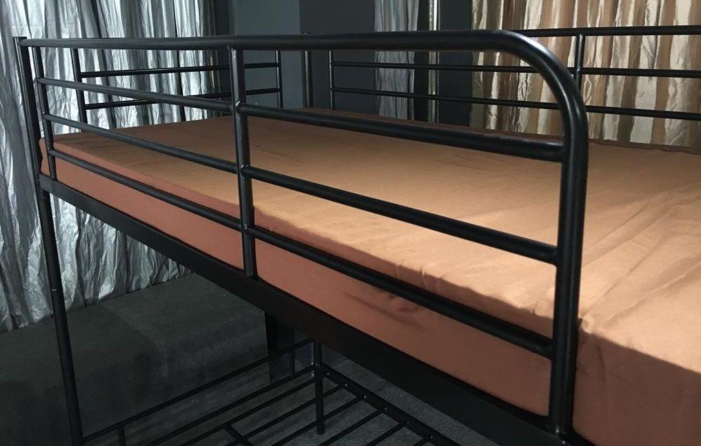 Metallbett Etagenbett : Etagenbett schwarz lackiert inkl metallrost metallbett bett