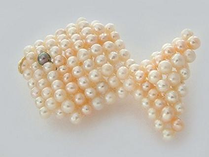 Großer Fisch aus echten Perlen Anhänger Fisch Perlenfisch Rose Perle