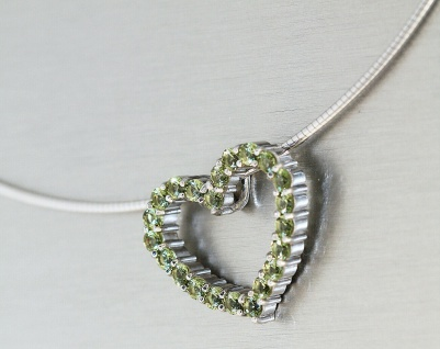 Zum Muttertag Halsreif Silber 925 Herz Anhänger mit Zirkonias grün 42 cm Collier