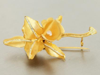 Brosche Gold 750 mit 1 Biwaperle Goldbrosche 18 kt Gold Blüte mit Blättern