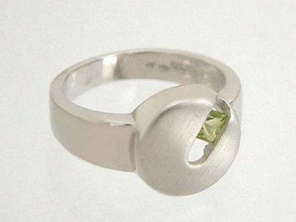 Perfekter Silberring 925 rund mit Peridot Carree matt Ring Sterlingsilber
