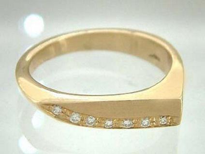 Edler Ring Gold massiver Goldring 585 mit Brillant Brillantring Damenring