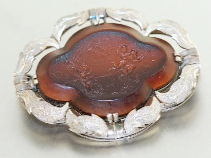 Brosche Silber 900 mit Karneol Silberbrosche Gravur fliegende Engel