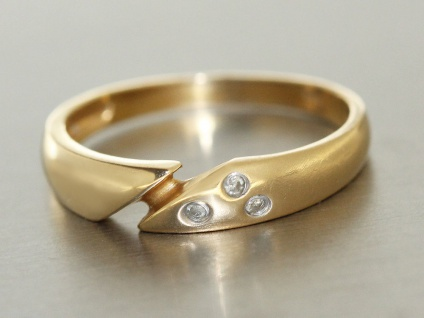 Ring Gold 585 Ring in 14 kt Gold (585/000) mit 3 Brillanten