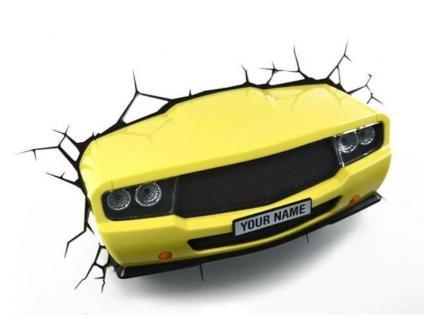 3D Dekolampe gelbes Auto fährt durch die Wand Breite: 35 cm