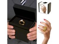 Kaffeetasse mit Diamant am Griff, Tasse weiß, Ring gold