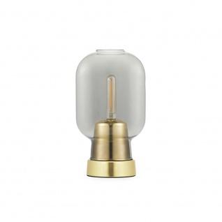 Normann Copenhagen Tischleuchte Amp im Skandi-Look Rauchglas Messing Tischlampe