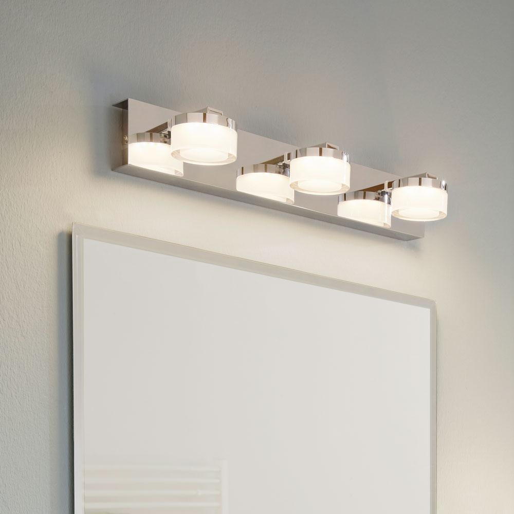 puck led bad spiegelleuchte mit 3 satinieren k pfen chrom wandlampe spritzwassergesch tzt. Black Bedroom Furniture Sets. Home Design Ideas
