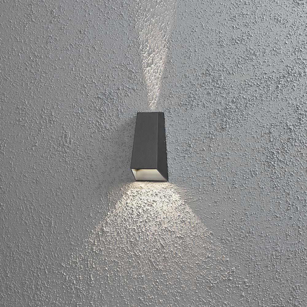 Konstsmide 7911-370 Imola LED Aussen-Wandleuchte Aussen-Wandleuchte Aussen-Wandleuchte mit doppeltem Lichtkegel Anthrazit klares Acrylglas 880044