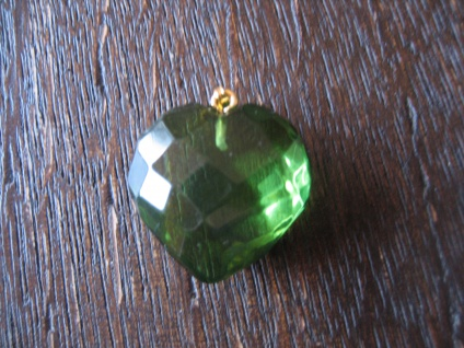Traum in Giftgrün - Herz Anhänger seltener grüner Bernstein 925er Silber grün - Vorschau 1