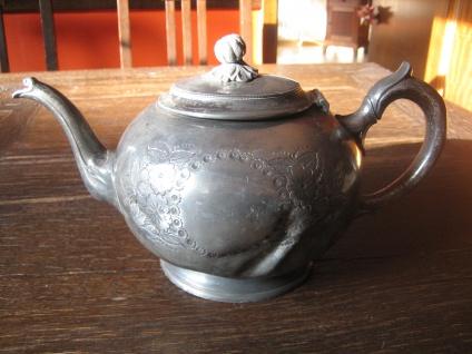 uralte traumhaft schöne Jugendstil Teekanne aus England very shabby chic