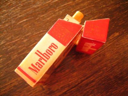 vintage Benzinfeuerzeug Feuerzeug Marlboro winzige Schachtel Werbung Reklame - Vorschau 3