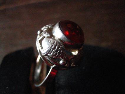 einmalig schöner Art Deco Bernstein Ring 835er Silber Fischland mit Fisch Muster - Vorschau 2