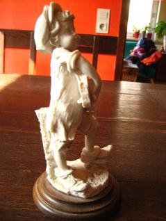 Junge Knabe mit Gitarre Capodimonte Italy G Armani sign Figur Skulptur Porzellan - Vorschau 2