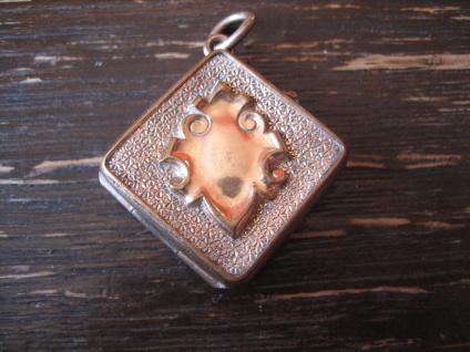 herrliches Biedermeier Medallion Anhänger rotgold Wappen Onyx rechteckig selten