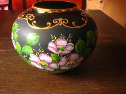 große schwarze Glas Vase mit traumhafter Rosen Malerei Emailmalerei Rose Unikat