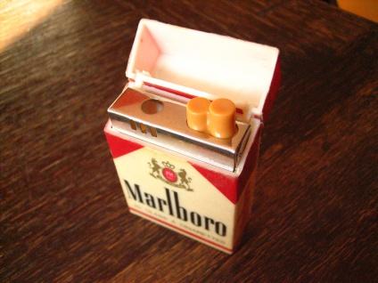 vintage Benzinfeuerzeug Feuerzeug Marlboro winzige Schachtel Werbung Reklame - Vorschau 2