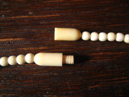 dezente antike Art Deco Bein Collier Kette geschnitzt Perlen Kugeln im Verlauf - Vorschau 3