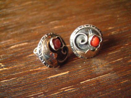bezaubernd florale Art Deco Ohrringe Stecker 830er Silber rote Koralle Handmade - Vorschau 2