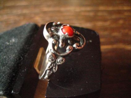 bezaubernder antiker Trachten Dirndl Ring 835er Silber rote Koralle Blüten Dekor - Vorschau 3