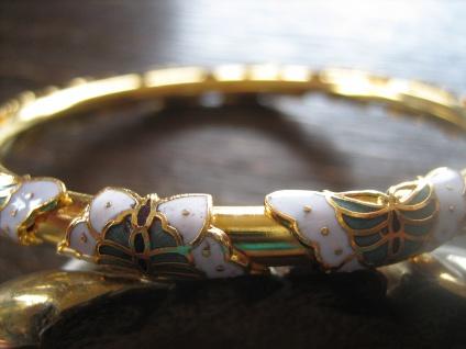 reizvoller vintage Armreif Schmetterling Cloisonnée Emaille emailliert gold