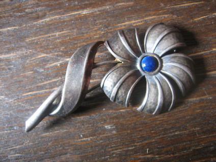 schöne Art Deco Blumen Brosche Blüte silber Stein lapislazuli blau