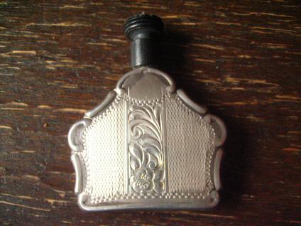 bezauberndes Jugendstil Riechfläschchen Parfümflacon Fläschchen 800er Silber - Vorschau 2
