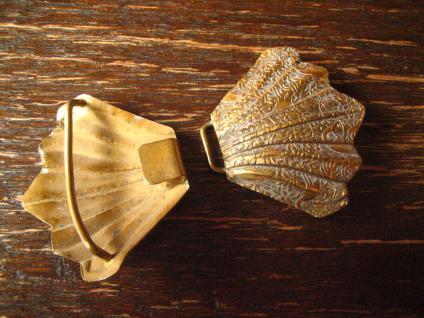 bezaubernde Jugendstil Gürtelschließe Gürtelschnalle mit Chinoisen gold messing - Vorschau 4