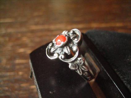 bezaubernder antiker Trachten Dirndl Ring 835er Silber rote Koralle Blüten Dekor - Vorschau 2