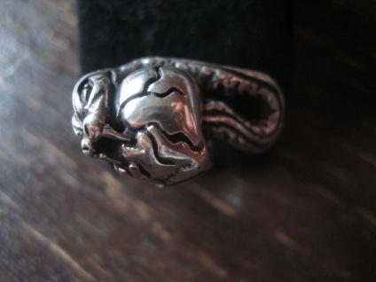 mächtiger Biker Ring Totenkopf Schlange der Biss Gift Skull 925er Silber RG 60 - Vorschau 4