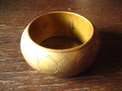 prächtiger Bronze Messing Armreif 3, 8 cm breit Afrika Ethno Boho sehr schwer - Vorschau 4