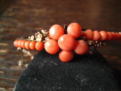 zarter Jugendstil Armreif rote Koralle Saatperlen Rotgold Doublé Korallenarmreif
