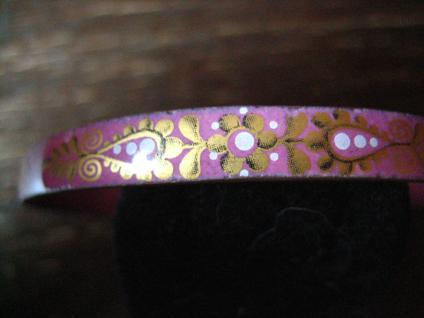 bezaubernder Emaille Armreif bemalt Emaillemalerei rosa Tracht Dirndl Wiesn