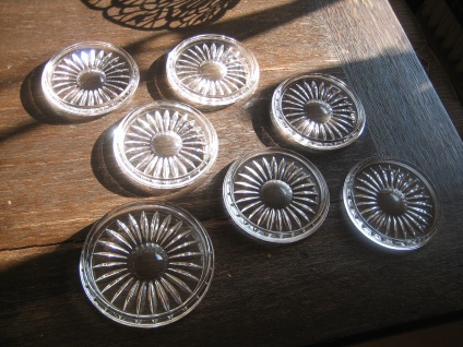 6 + 1 kleine Teller Flaschen Untersetzer Tellerchen Glasuntersetzer Bleikristall
