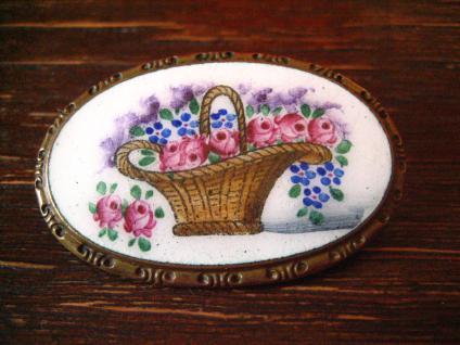 traumhafte Jugendstil Brosche Blumenkorb Emaille Miniaturmalerei Lupenmalerei