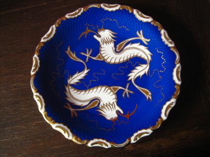 großer Teller Prunkteller Drache Drachen handgemalt Porzellan Rudolf Wächter RW