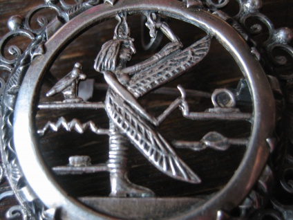 prächtiger Art Deco Anhänger / Brosche ägyptische Göttin Isis 835er Silber - Vorschau 2