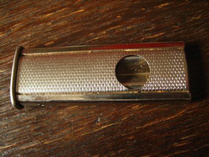 sehr gut erhaltener vintage Zigarrenabschneider Cutter für Tasche schön verziert - Vorschau 2