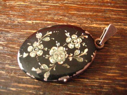 Art Deco Medallion Anhänger oval 835er Silber Rosen Gravur schwarz emailliert - Vorschau 2