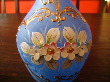 bezauberndes Likör Set Karaffe 6 Gläser zart Blau mit Emaille Blüten böhmisch - Vorschau 2