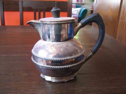 schnuckelige kleine Karaffe Silberkanne Krug Kakaokanne Kanne silber pl England