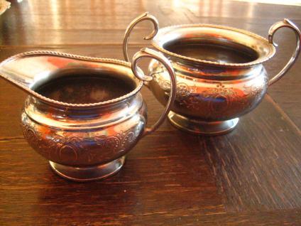 reizendes antikes Milch & Zucker Set silber pl England reich graviert tolle Form