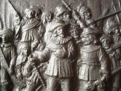 dekorative Gusseisenplatte Ofenplatte Gusseisen Kunstguss Musketiere Soldaten - Vorschau 2
