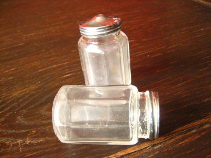 Paar schnuckelige vintage Salz- und Pfefferstreuer 60er Jahre Sixties Glas - Vorschau 2