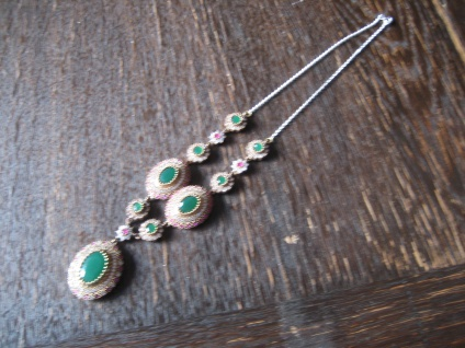 Kronjuwelen gesucht ? opulentes smaragd grün diamant Collier 925er Silber gold