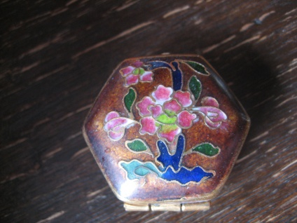 wunderschöne Dose Döschen Pillendöschen Cloisonneé Emaille Phäonie Blüten