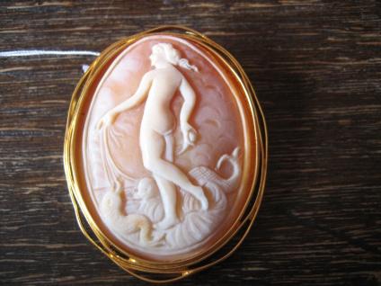 traumhafte Muschelgemme Cameo Kamee römische Göttin Venus Liebe Anhänger Brosche
