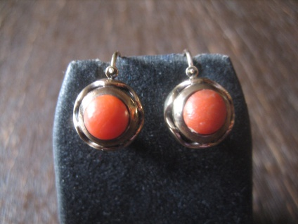 traumhaft schöne vintage Ohrringe Hänger Rote Koralle 333er Rotgold Italien um 1960