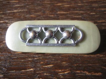 elegante Art Deco Bakelit Brosche Crom Applikation grün silber Jakob Bengel